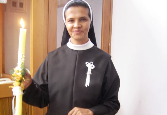 La familia de la religiosa colombiana secuestrada por Al Qaeda no pierde la esperanza