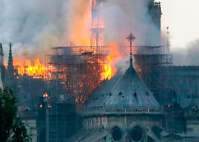 Notre Dame, más que un golpe al arte
