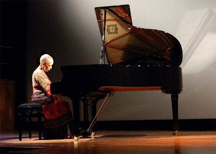 El milagro de Teresita Gomez, la pianista mayor de Colombia