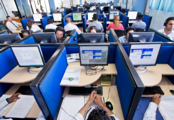 Call-centers controlados por multinacionales mandan en Colombia