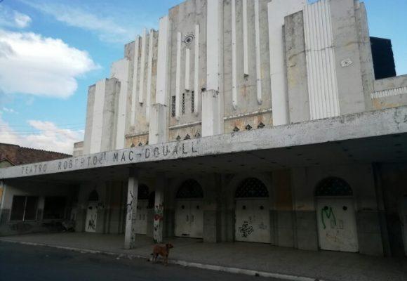 El Teatro Roberto Mac-Douall, patrimonio nacional presa del olvido