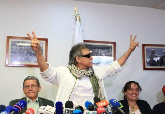 Santrich se alista para tomar posesión de su curul en el Congreso