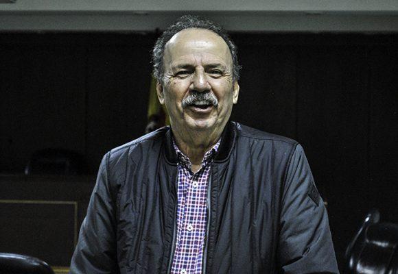 Sonriente y relajado, se presentó el Tuerto Gil en los juzgados de Paloquemado