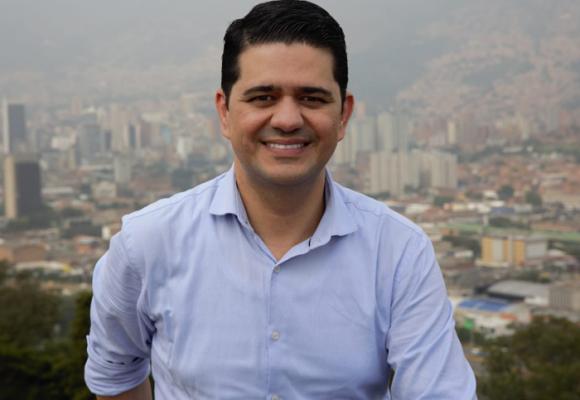 ¿Una tercería se abrirá paso en la carrera por la gobernación de Antioquia?