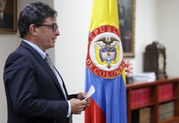 Señor Carrasquilla, ¿de verdad no sabe por qué hay desempleo en Colombia?
