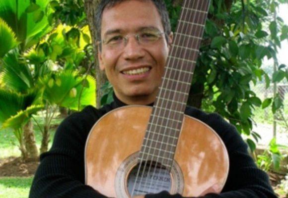 Reencuentro con la guitarra de Héctor González