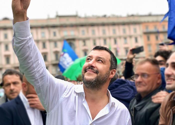 Una Italia que navega en la ensoñación felliniana
