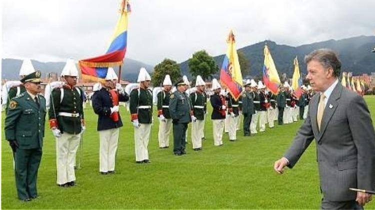 ¿Le conviene a Colombia un ejército politizado?