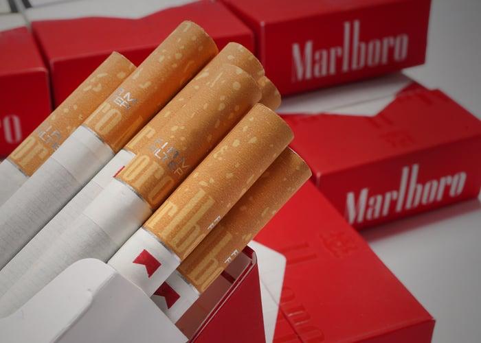 Estocada al cigarrillo nacional