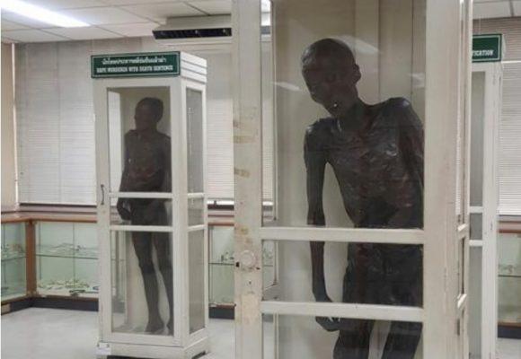 La momia del asesino caníbal de niños más temido en Tailandia