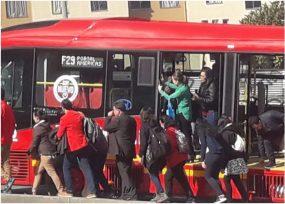 Buses de TransMilenio de Peñalosa se estrenan con varada