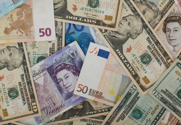 Los riesgos de cambiar divisas