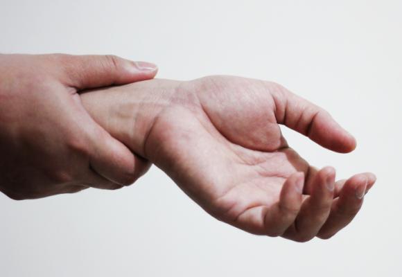 Así es vivir con artritis reumatoide juvenil