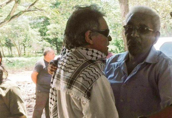 [Fotos] Santrich se refugia en La Guajira: encuentro con Joaquín Gómez