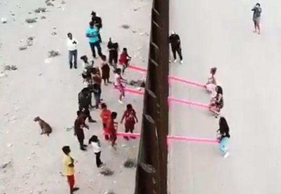 Instalan sube y baja en muro fronterizo entre E.U y México
