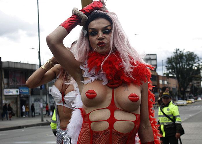 [FOTOS] A pesar del frío y la lluvia, los gays hicieron de Bogotá una fiesta