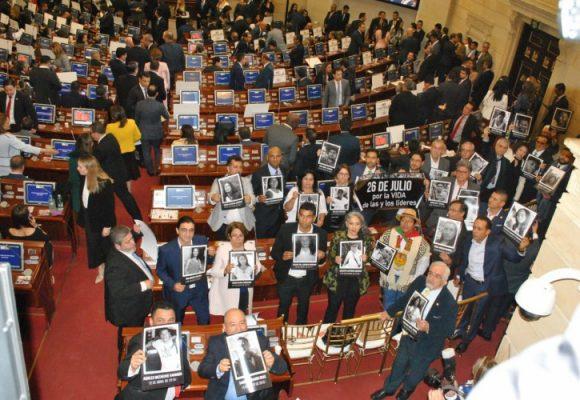 Ni un líder social muerto más: petición unánime en el Congreso