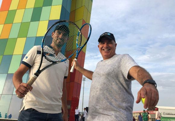 Tecnoglass, la ventana del tenis para el mundo
