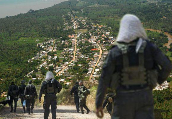 Uniformes de la policía serían para grupos armados