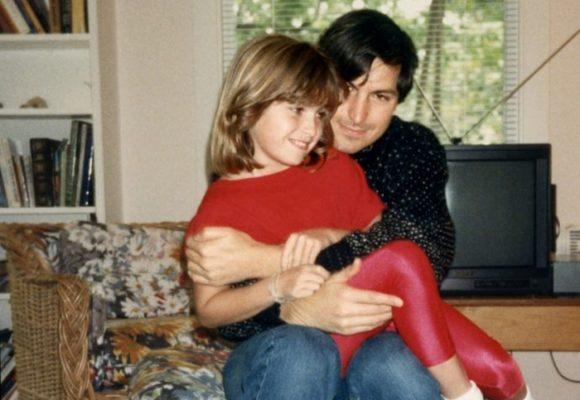 """""""No recibirás nada"""", la advertencia de Steve Jobs a su hija que se volvió libro"""