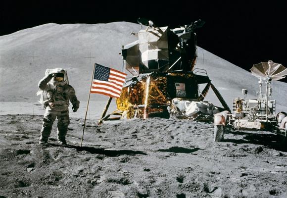 El viaje a la Luna no fue más que un vil despilfarro