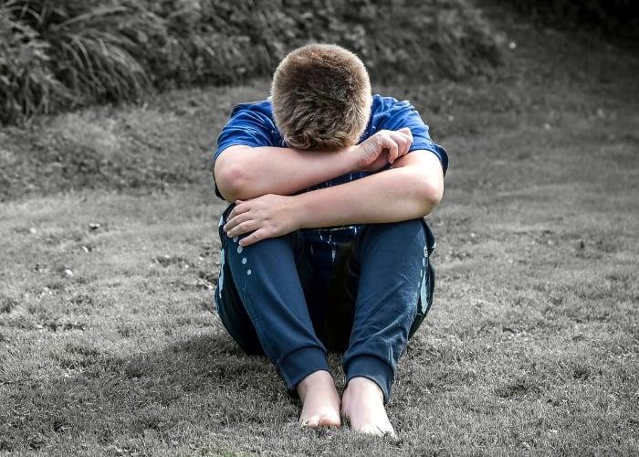 Niño es violado por otros niños de 8 y 9 años