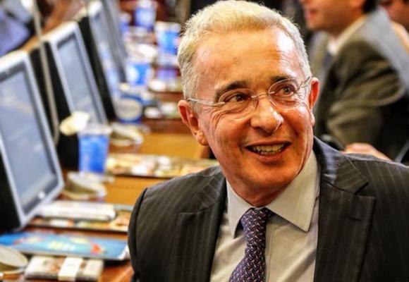 El centro de pensamiento que estudia y defiende la obra de Álvaro Uribe