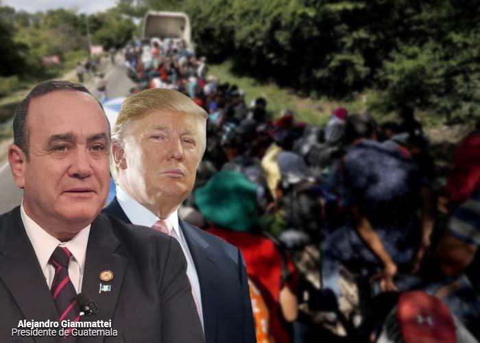 El nuevo presidente de Guatemala amaneció arrodillado a Trump