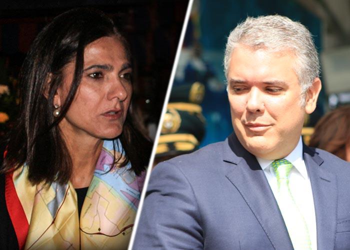 La Ministra de Transporte contradice en público a Duque y el presidente se enfurece.Video