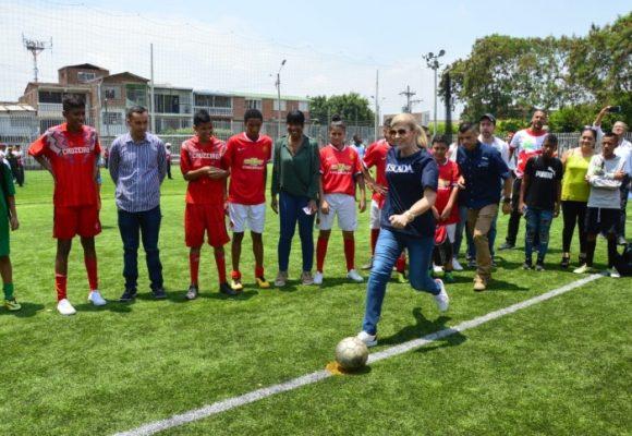 Semillero de futbolistas caleños estrenará cancha sintética