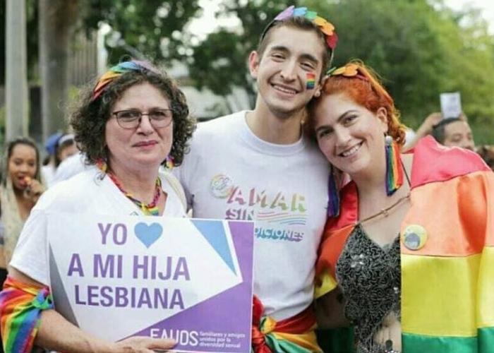Colectivos LGTBIQ celebran la diversidad en Medellín