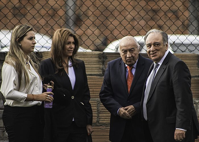 Margarita Herrara, su papá el exmagistrado de la Corte Suprema Hernando Herrera, su abogado Luis Fernando Salazar y su prima