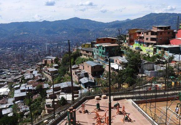 Subsidios mejoran viviendas en barrios de Medellín