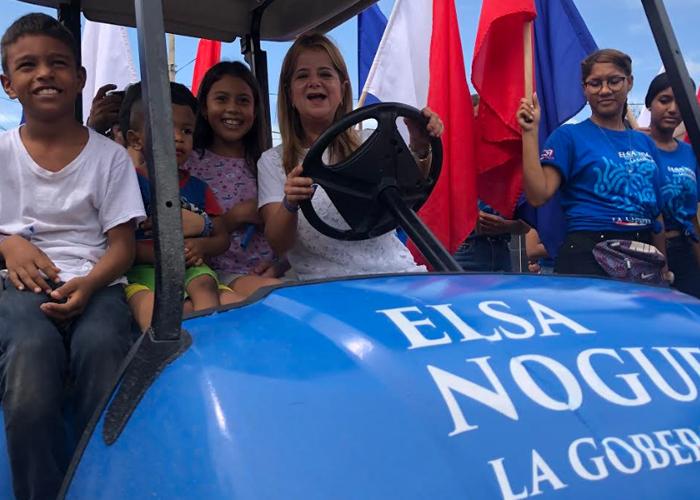 El ElsaMóvil, el vehículo en el que Elsa Noguera hace su campaña