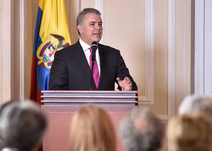 ¿Violó Colombia el artículo 25 del Pacto de derechos civiles y políticos de la ONU?