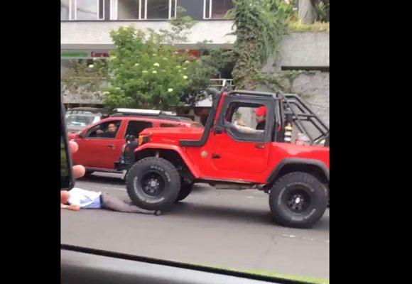 [VIDEO] Así aplastó camioneta a conductor de SITP en Bogotá
