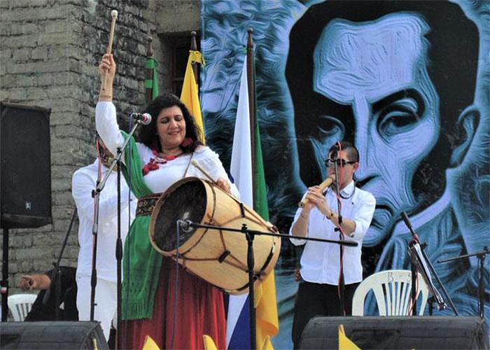 Mujer América, la voz de Martha Elena Hoyos recorriendo América