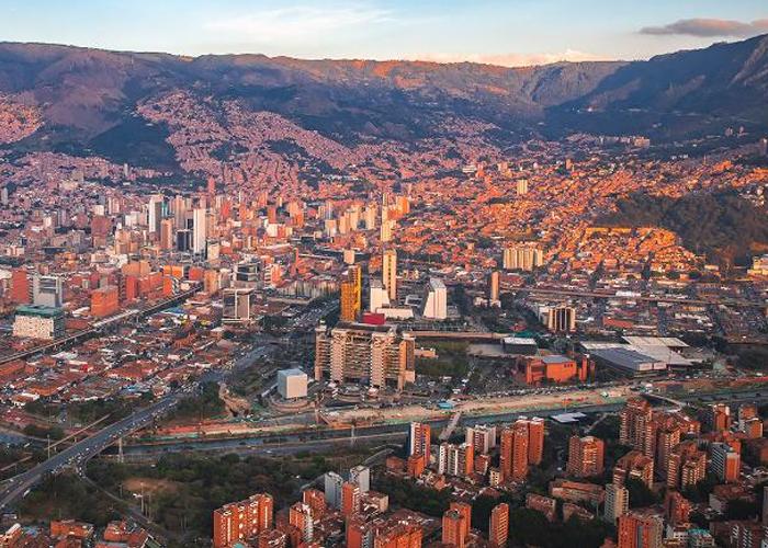 Medellín: ¿de municipio a distrito metropolitano?