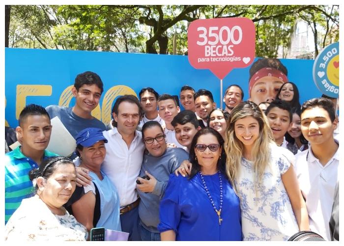 Becas en tecnología reaparecen en Medellín