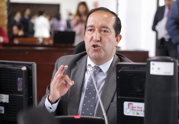 Emel Rojas vuelve a liderar la más reciente evaluación de Concejo Cómo Vamos