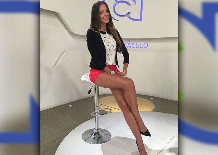 Laura Acuña presentando política: la última estupidez de RCN