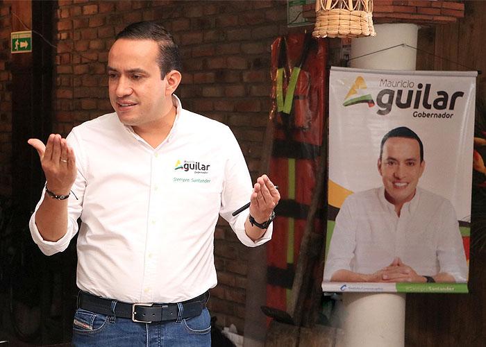 """""""Si no votan, no les doy lechona"""": campaña de Mauricio Aguilar"""