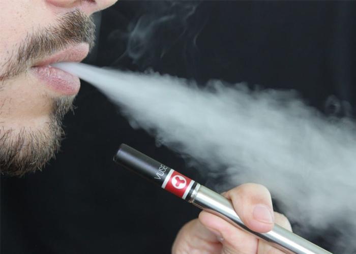 Cigarrillos electrónicos: la última pelea de Philip Morris y British American Tobaco