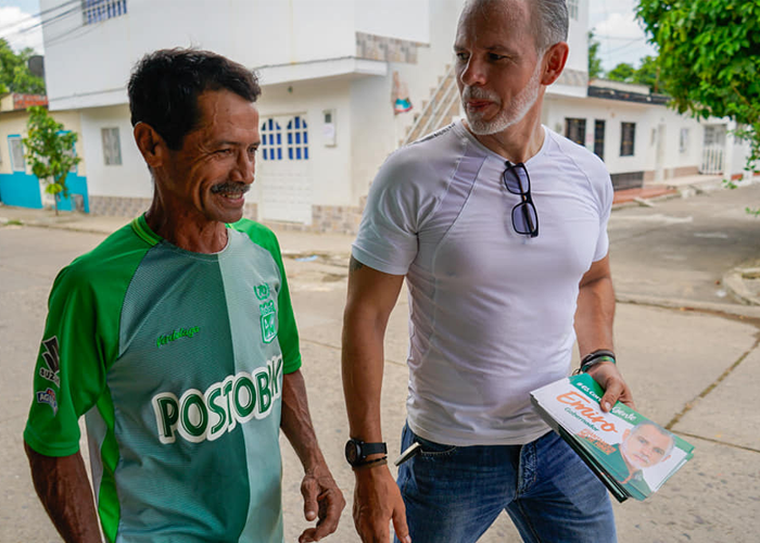 Al tablero con Emiro Arias Bueno