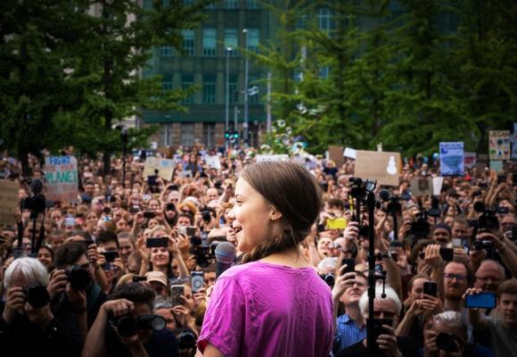 Lo que los millennials no lograron, Greta Thunberg y sus fans sí