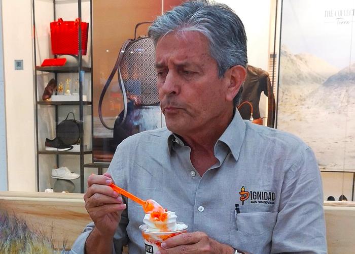 Las equivocaciones que le están pasando factura a Leonidas Gómez