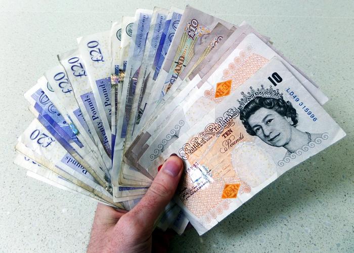 Mientras el Reino Unido sigue paralizado por el brexit, la libra gana terreno