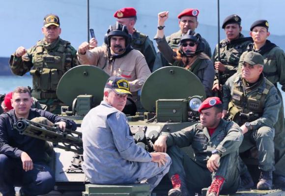 ¿Y Maduro cuándo bombardeará Colombia?