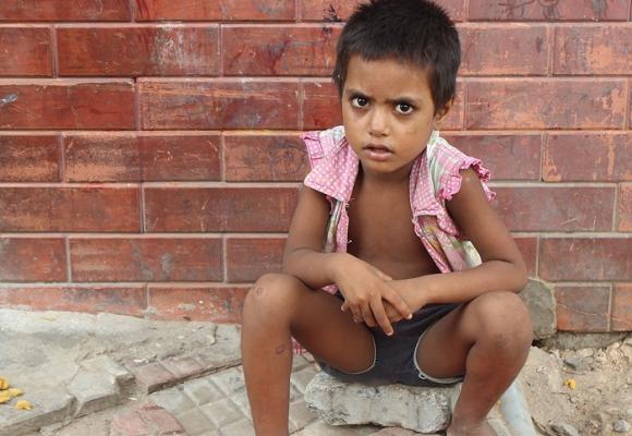 El proyecto de ley que busca penalizar la utilización de menores en la mendicidad