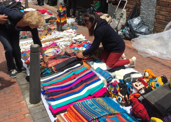 ¿Qué hay detrás del desalojo de artistas, artesanos y vendedores de Usaquén?